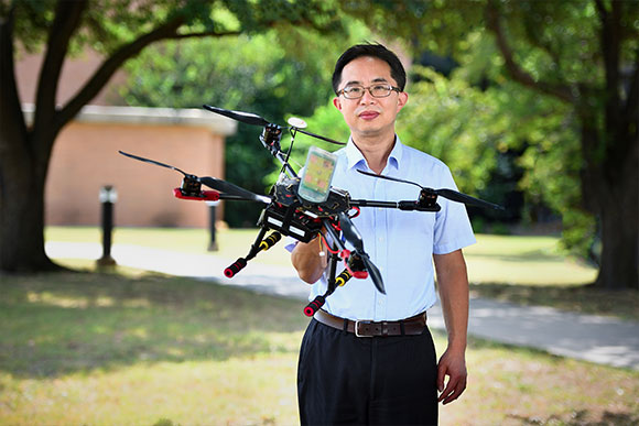 UNT faculty Shengli Fu gets funding for drone research