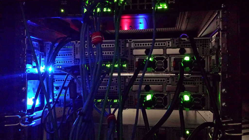 Server with lights