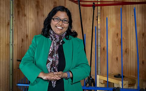 Ifana Mahbub stands in her lab